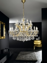 chandelier 30 arms made with SPECTRA® Crystal by SWAROVSKI MSRP 2979¤